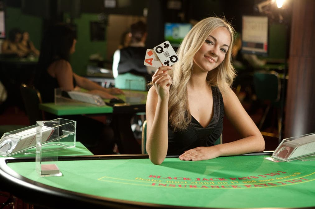 female casino dealer