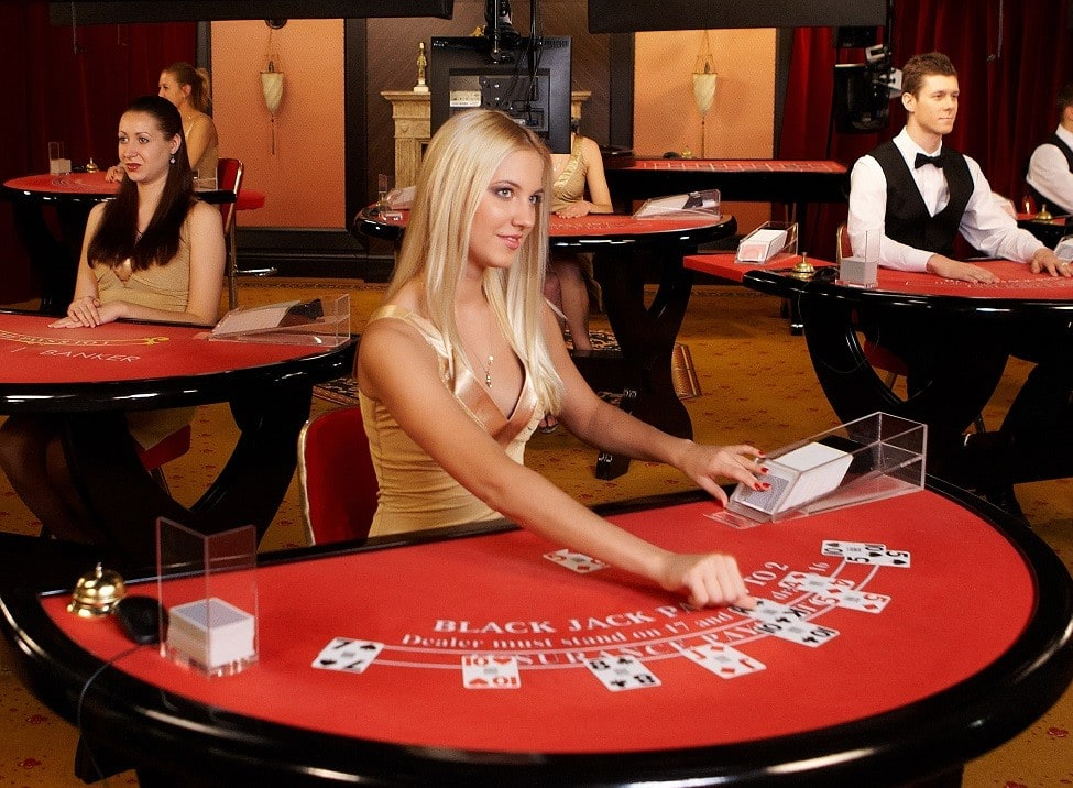https://www.casinonewsdaily.com/wp-content/uploads/2015/07/live-dealer-in-casino-blackjack-e1436866011118.jpg