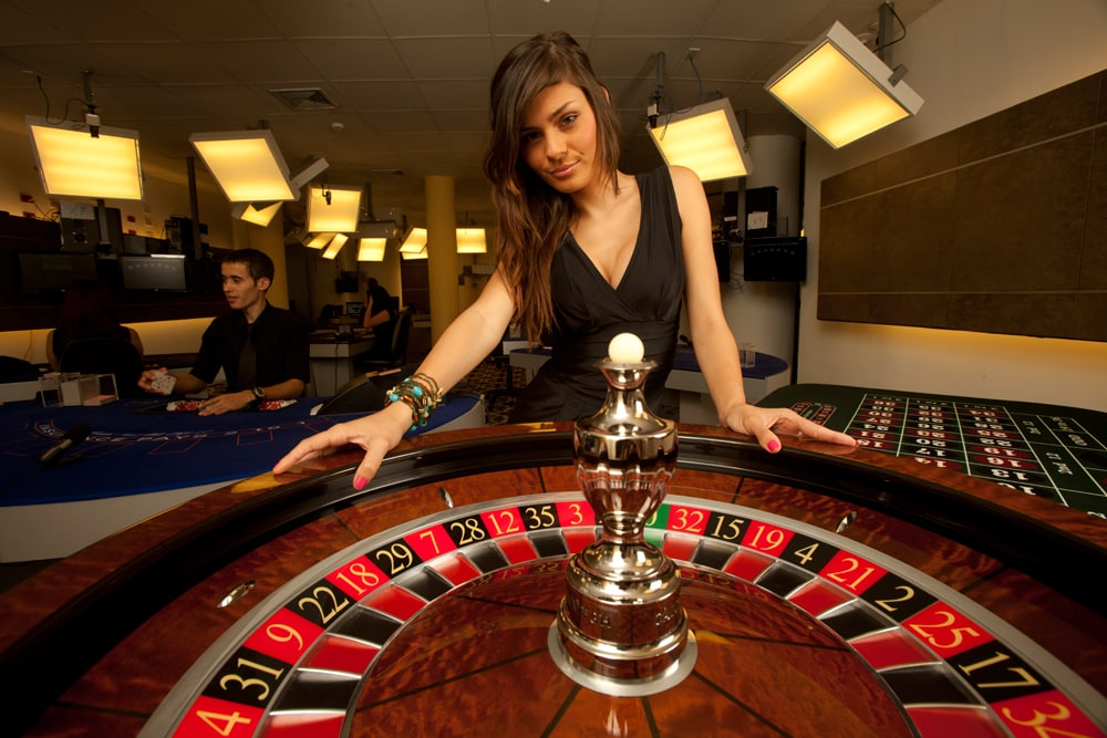 dealer at casino