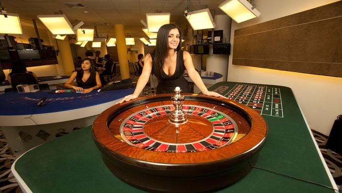 Blazing 7 blackjack