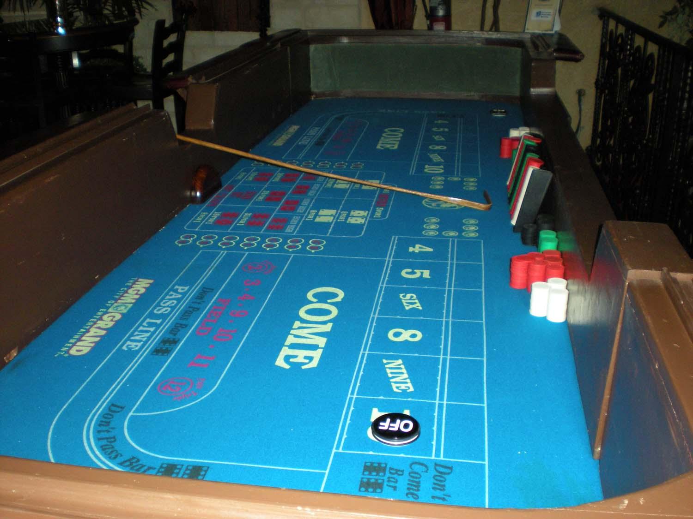 casino craps table