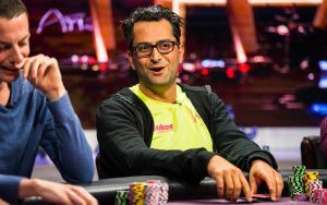 Poker Buddies Antonio Esfandiari and Kevin Hart to Meet in the Boxing Ring
